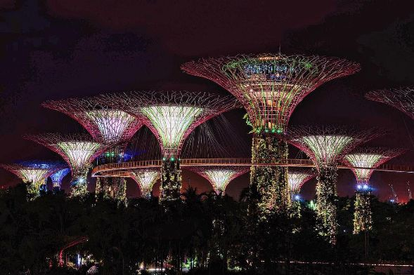 Where to Stroll from Morning to Night in Singapore #travel #singapore #awesome