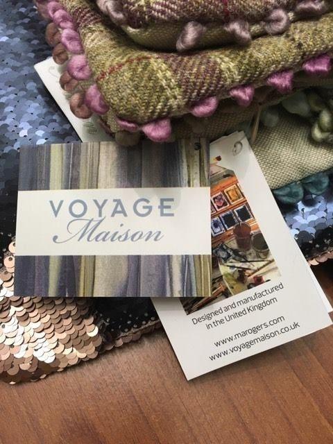 Очаровательные #наволочки @voyage_deco - это всегда ручная работа. Всегда в наличии в #Galleria_Arben #pillows #подушки #decor #VoyageMaison
