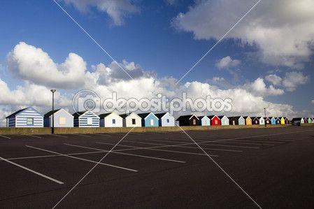 barevné plážové chatky, southwold, suffolk, Anglie — Stock obrázek #46053335