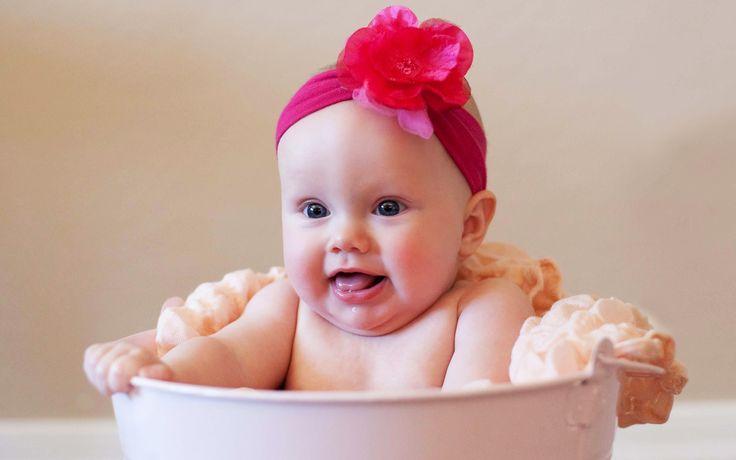 cute babies for free | free_wallpaper_of_baby__a_cute_bathing_baby_girl_.jpg