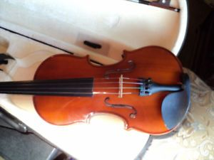 VIOLIN 4/4 FULL SIZE SOLID SPRUCE TOP,MAPLE SIDES & BACK