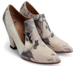 Shoe of the Day | #JohnFluevog Elegant Conversations Kendra Pointed Toe Heels | #SHOEOGRAPHY