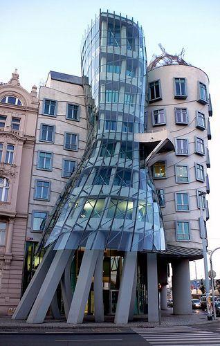 Dancing Building by Matei D., via Flickr  Prague, Czech Republic  Frank Ghery, Arquitect
