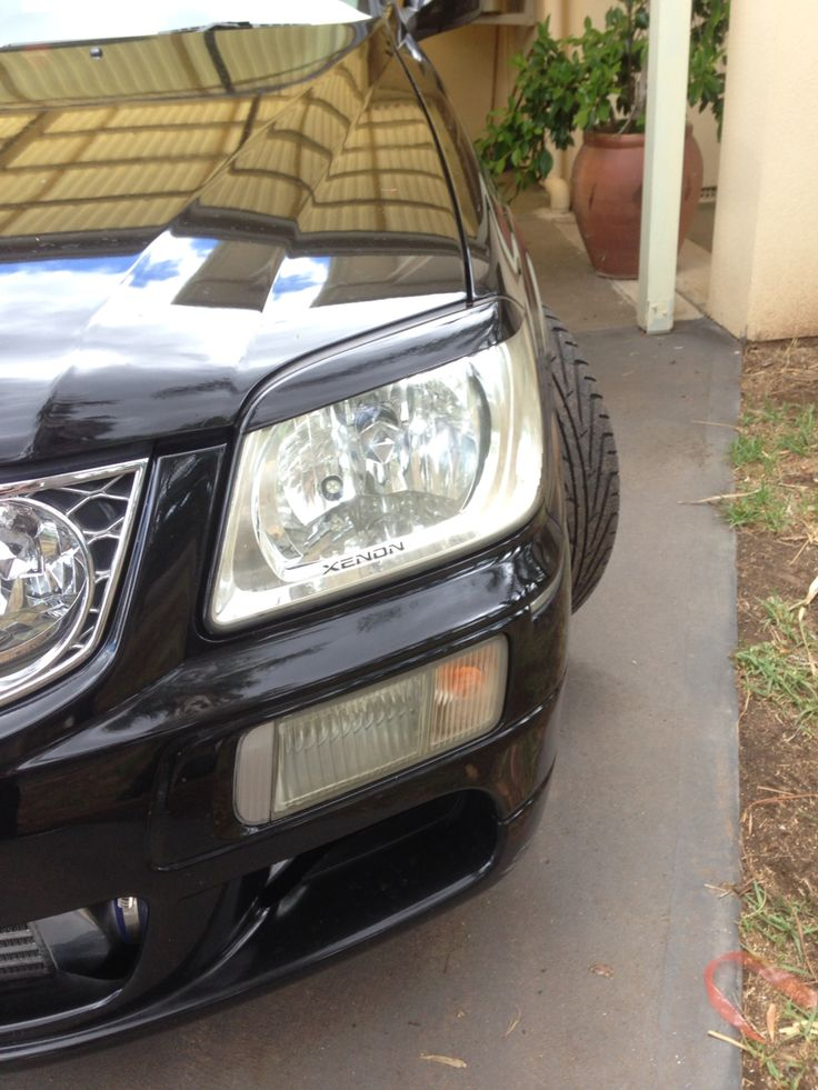 NISSAN STAGEA WGNC34 Dolphin Eyelids They make a huge difference in appearance, gives the car a mean look...