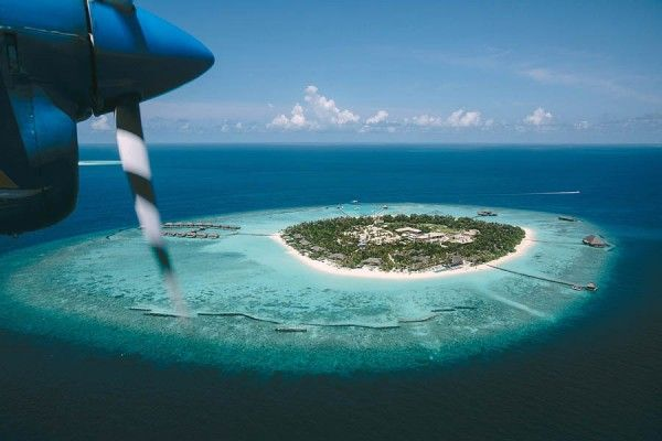 Velaa Private Island, Maldives | Photo by Thanos Asfis via http://junebugweddings.com/wedding-blog/luxurious-maldives-wedding/