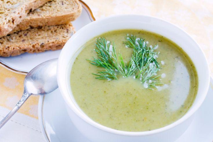 Brokolicová polievka so špaldovými plackami