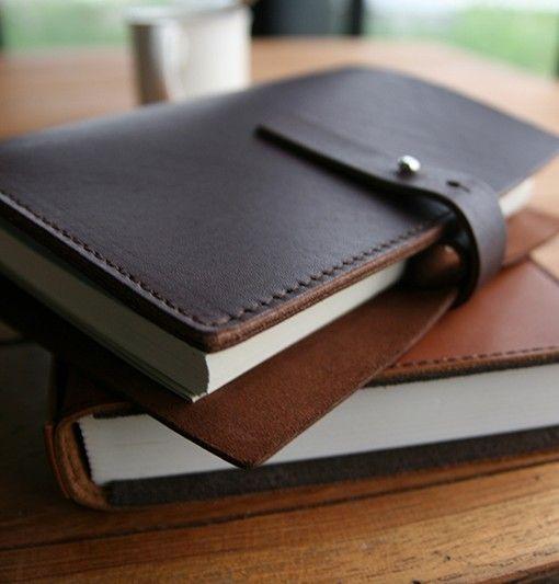les 25 meilleures id es concernant agenda cuir sur pinterest stylo en bois sacs de crayon et. Black Bedroom Furniture Sets. Home Design Ideas