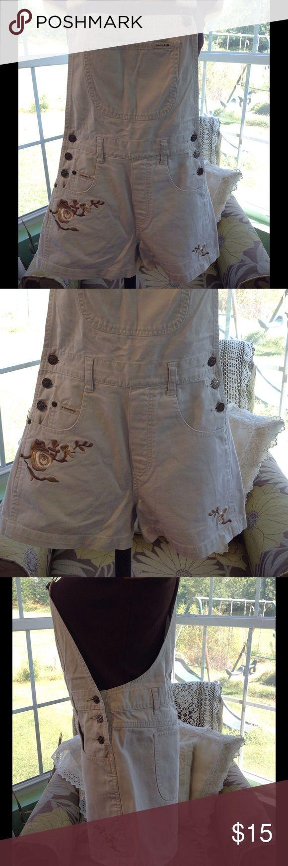 REDUCED Zana Di Khaki Embroidery Overall Short These are really cute and in beautiful condition. Zana di Jeans Overalls