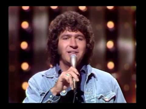 "Mac Davis (b. 1942- ) performs 70's classic ""Baby Dont Get Hooked On Me"" - YouTube"