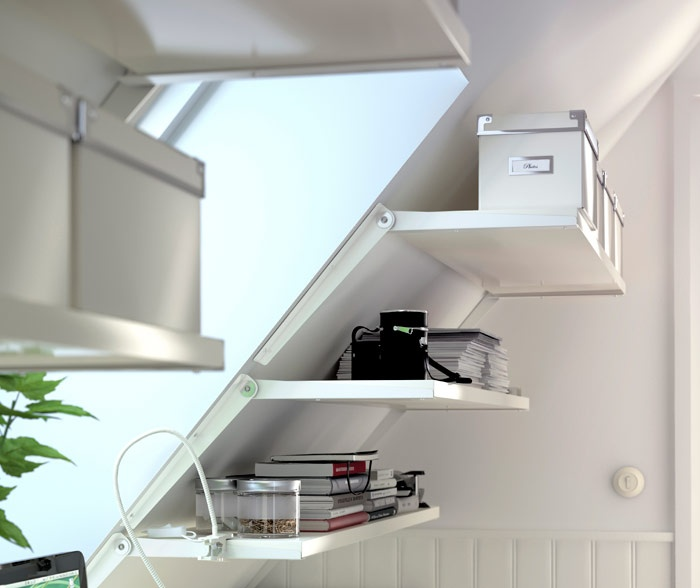 Sloped wall? No matter the angle of your walls, the EKBY RISET can be adjusted, positioned and set to carry shelves.