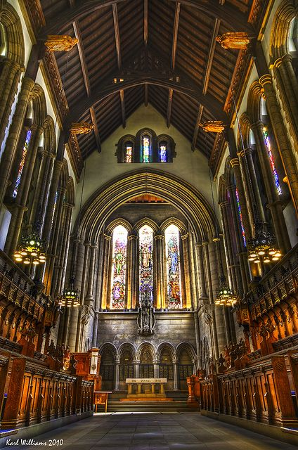 Stunning photograph of the inside of the Glasgow University Chapel.