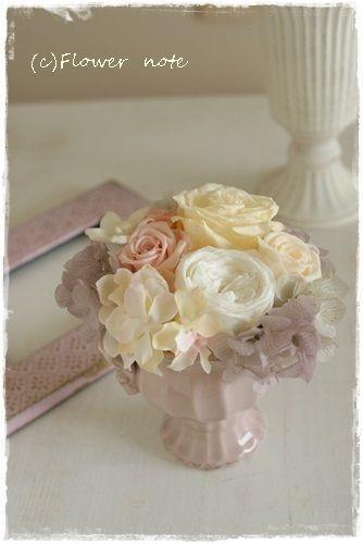 『【結婚祝】あわーいピンクのプチサイズ』 http://ameblo.jp/flower-note/entry-11616030408.html