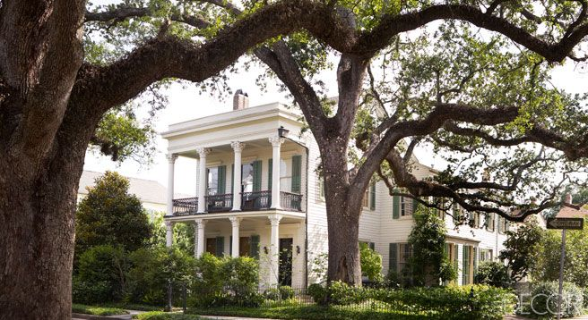 The Greek Revival house was built circa 1847 in New Orleans's Garden District.