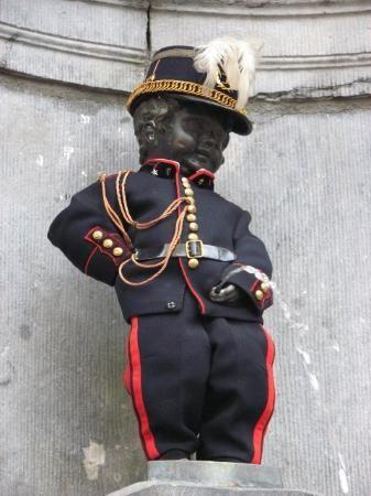 """manneke pis brussel   christmas """"Manneke Pis - Picture of Manneken Pis, Brussels ..."""