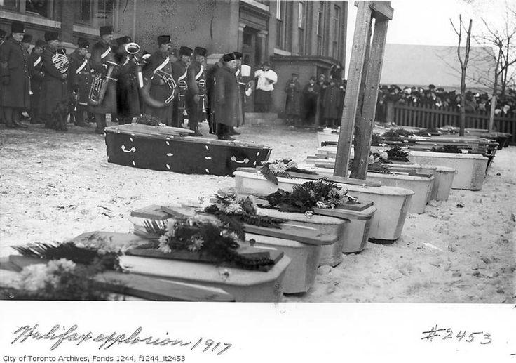 Halifax explosion 1917 victims funeral Mais