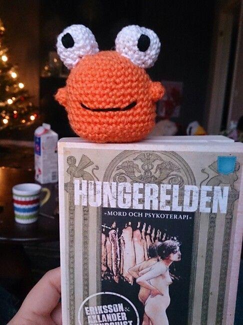 A happy monster bookmark, amigurumipatterns.net