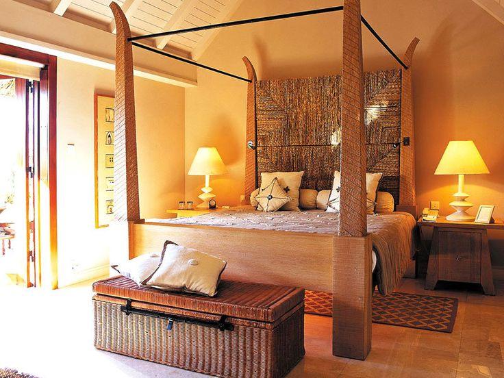 Oberoi Mauritius Villa Bedroom Indian Ocean Honeymoon Hotel - Traditional indian bedroom designs