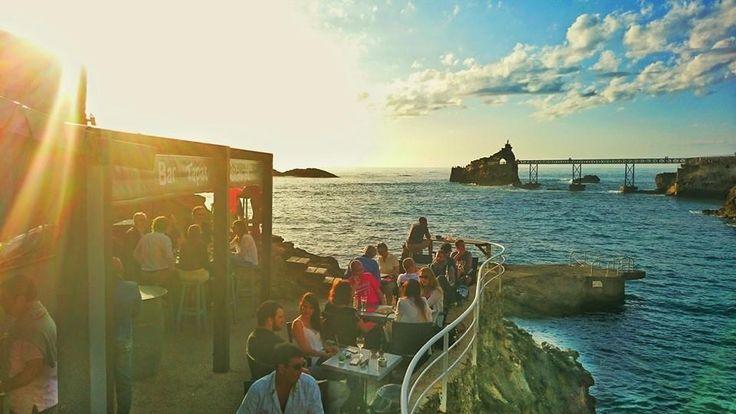 L'Eden Rock café à Biarritz Plage du Port Vieux.