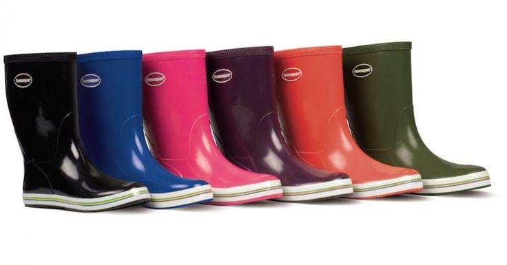 L'autunno e la pioggia non sono più un problema perché in soccorso all'umore e all'outfit arrivano nuovi rain boots, per saltare dentro le pozzanghere cittadine senza perdere il sorriso :) http://www.stilefemminile.it/sotto-la-pioggia-con-nuovi-rain-boots/ Chic Choice