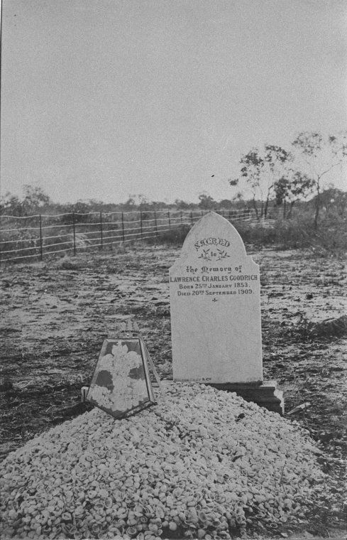 025838PD: Grave of Lawrence Charles Goodrich, Broome, ca 1909 http://encore.slwa.wa.gov.au/iii/encore/record/C__Rb3033251?lang=eng