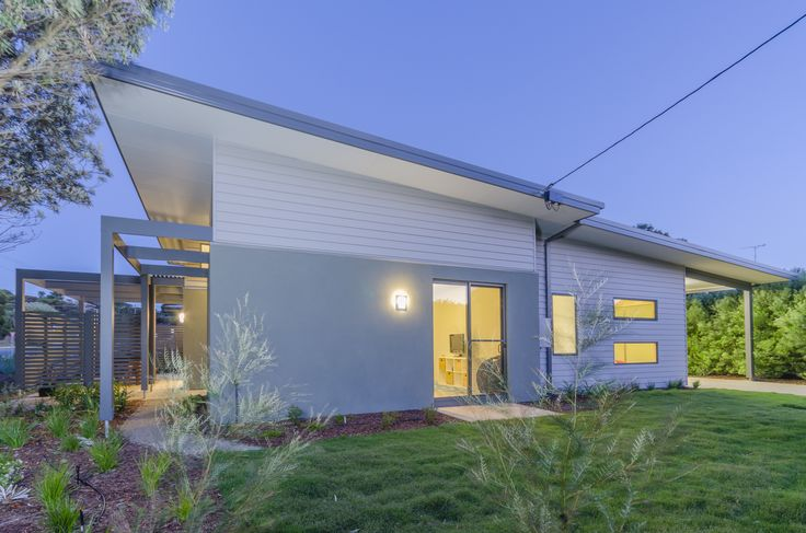 Scyon Linea cladding proves to be a great choice for coastal homes along with Unitex render.
