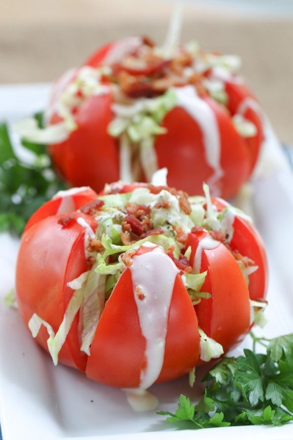 INGREDIENTS 4 large beefsteak tomatoes, 1 cup shredded iceberg lettuce, ½ cup bacon bits, Litehouse Original Bleu Cheese,