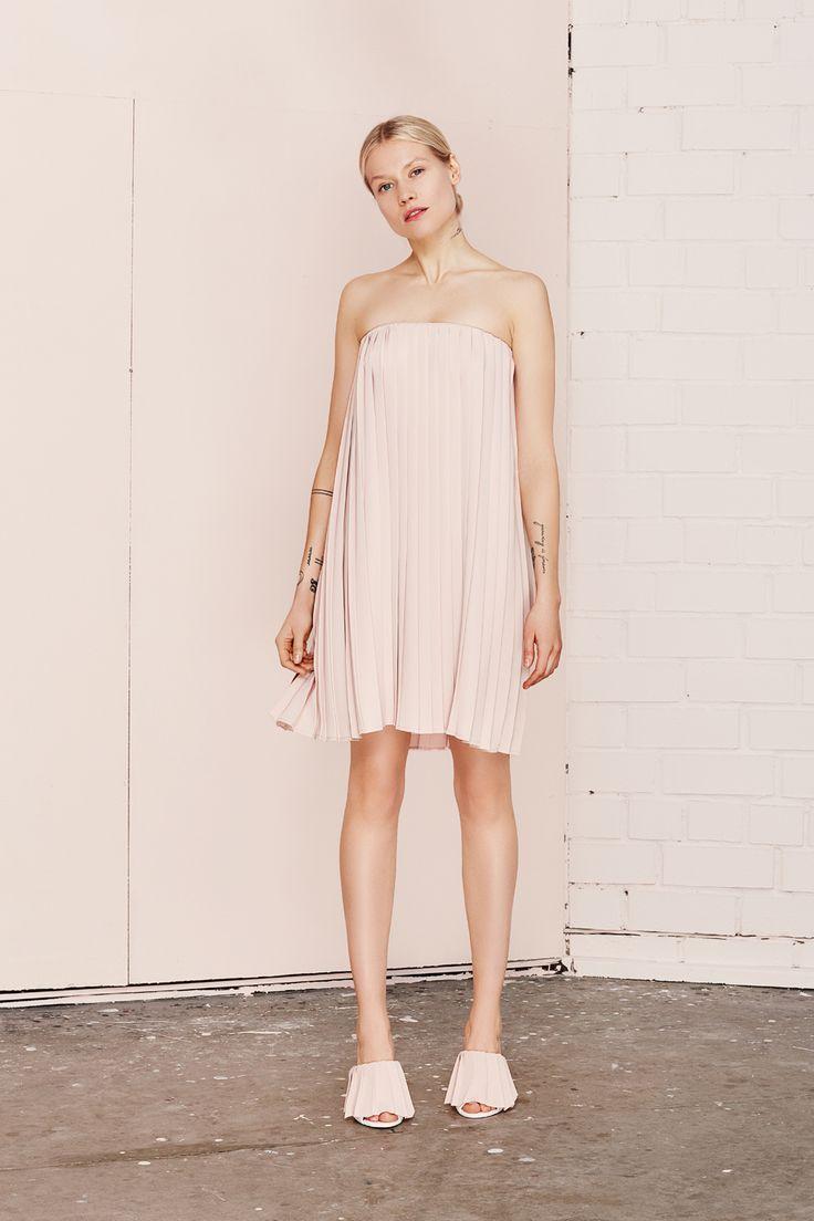 MIRABILIA pleated dress  UNDRESS SS17 collection  www.iwearundress.com