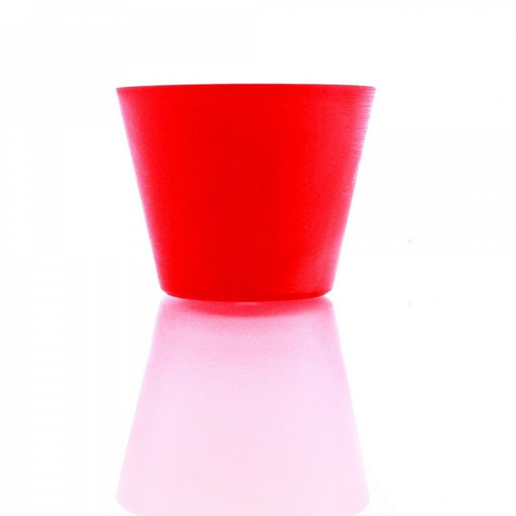 Lampa typu podsufitka. Tanie i dekoracyjne oświetlenie! http://www.sklep.imindesign.pl/product/podsufitka-maskownica-sufitowa-czerwona