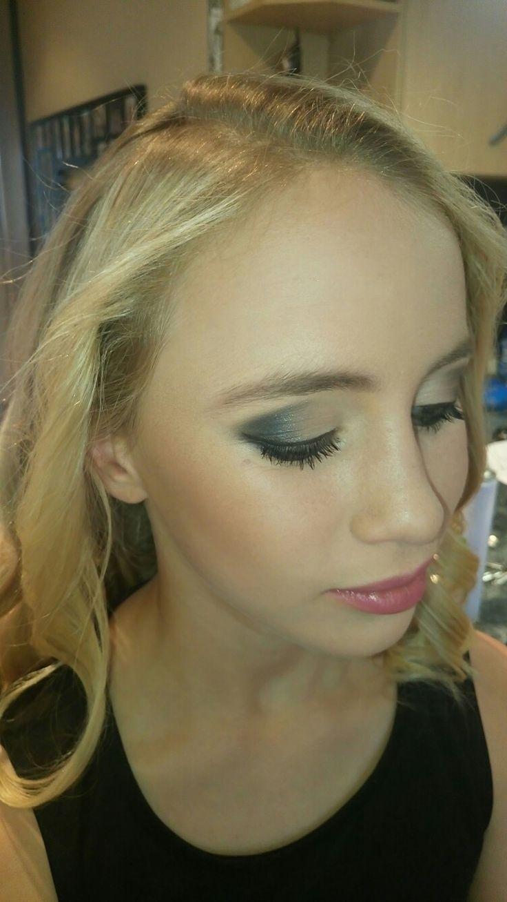 Beautiful blue tone smoky eye by Elpmakemeup (me)
