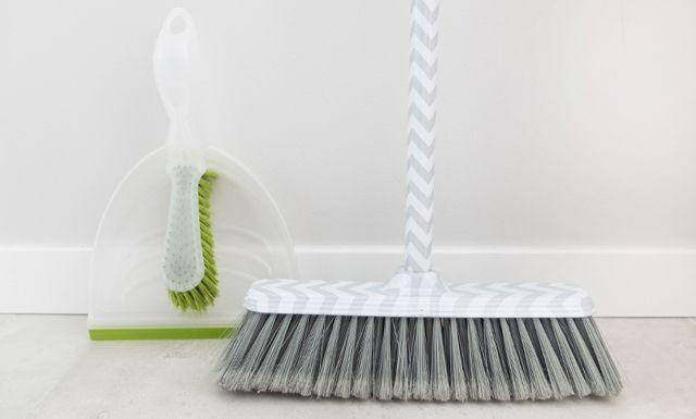 Jak sprzątać szybko i skutecznie? Triki oszczędzające czas podczas sprzątania będą w tym bardzo pomocne, a porządki staną się proste i szybkie :)