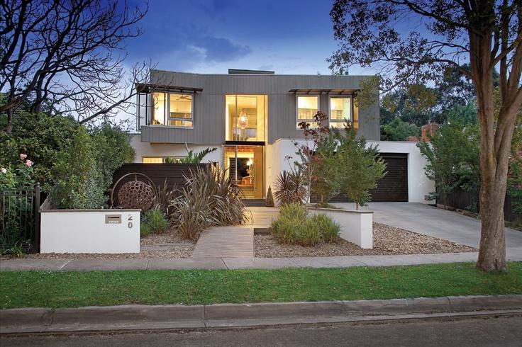 Balwyn House - street view