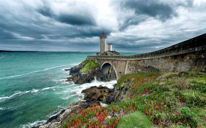 Download wallpapers Phare du Petit Minou, lighthouse, Celtic sea, coast, Atlantic Ocean, Plaza, France