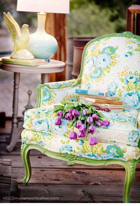 love the chair - always wondered how to do a chair using Annie Sloan Chalk Paint, Antibes Green! So fresh.