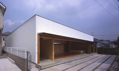 Cloister House Design by Tezuka Architects