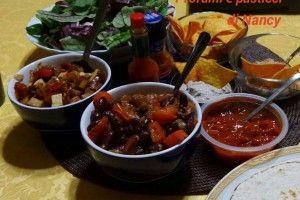 Tortillas con chili di fagioli neri vegan