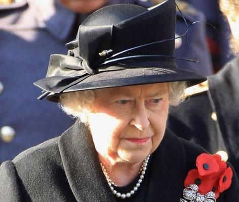 : Articles, Middleton Attendance, Queen, Britain Fallen, Crowd Form, Ii Hats, Fallen Heroes, Biggest Service, Black Hats