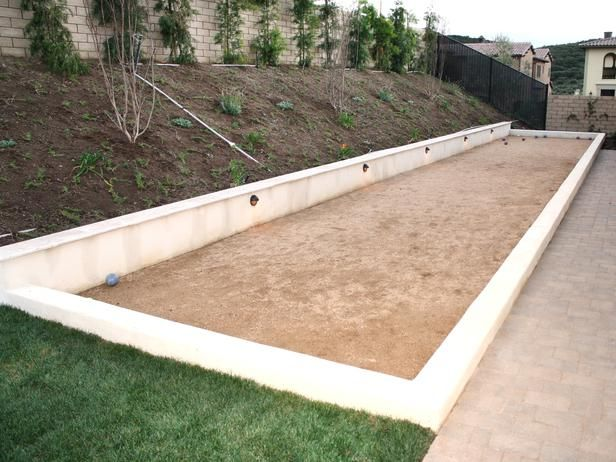 I am envisioning a horseshoe pit along the back of our pool. Why didn't I think of that before? For SHAME!