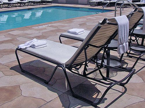 The Marriott Courtyard in Pasadena California chose Pac West to update the look of its concrete pool deck, as well as its common areas, courtyard, walkways and driveway.
