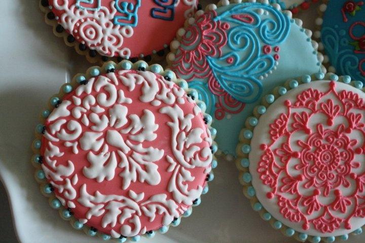 From Hayley Cakes & Cookies     hayleycakesandcookies.com