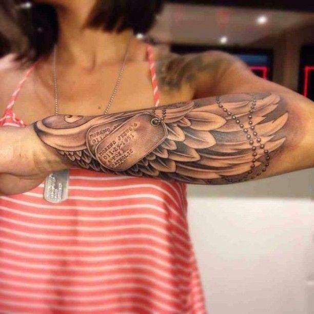Tattoo Army Plaketten und Engelsflügel