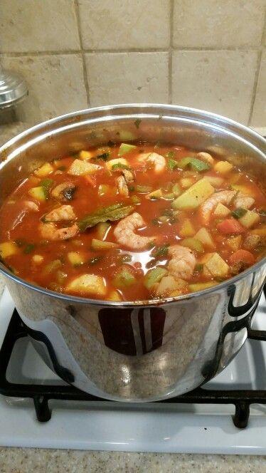 Caldo de camarón con chile Guajillo.
