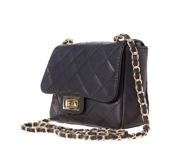 Elegantní crossbody kabelka z nové kolekce od italské značky Florence. Je ručně vyrobená z pravé telecí kůže. Je dostupná v různých barvách!