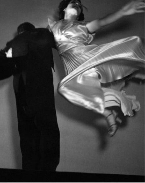 Photo by Edward Steichen, 1936. S)