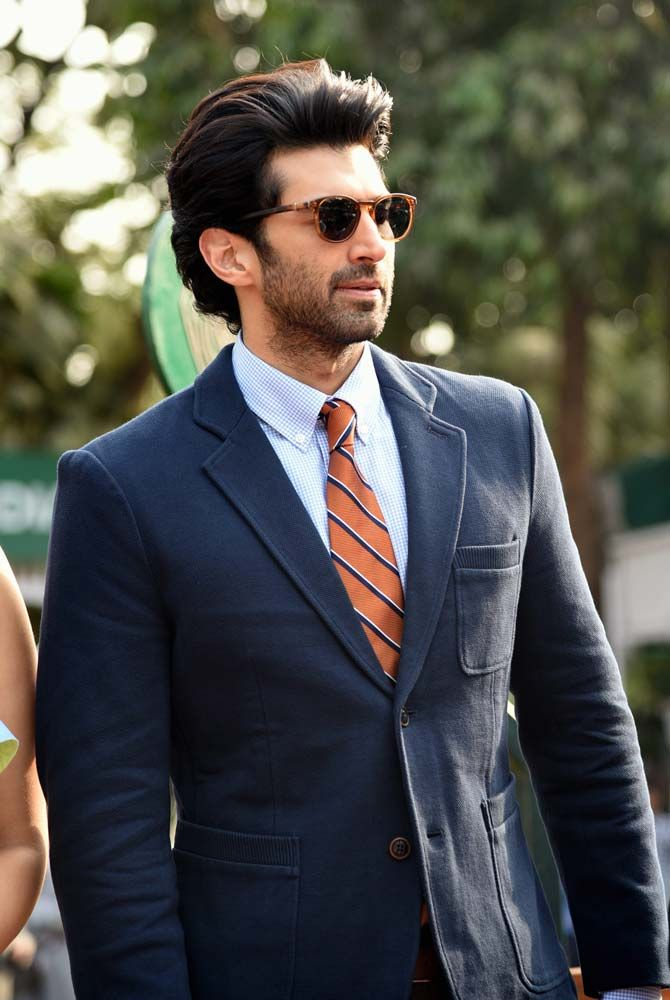 Aditya Roy Kapur looks all dapper in a suit at the Mid-Day Trophy 2016 held at Mahalaxmi Racecourse in Mumbai. #Bollywood #Fashion #Style #Handsome #Formals