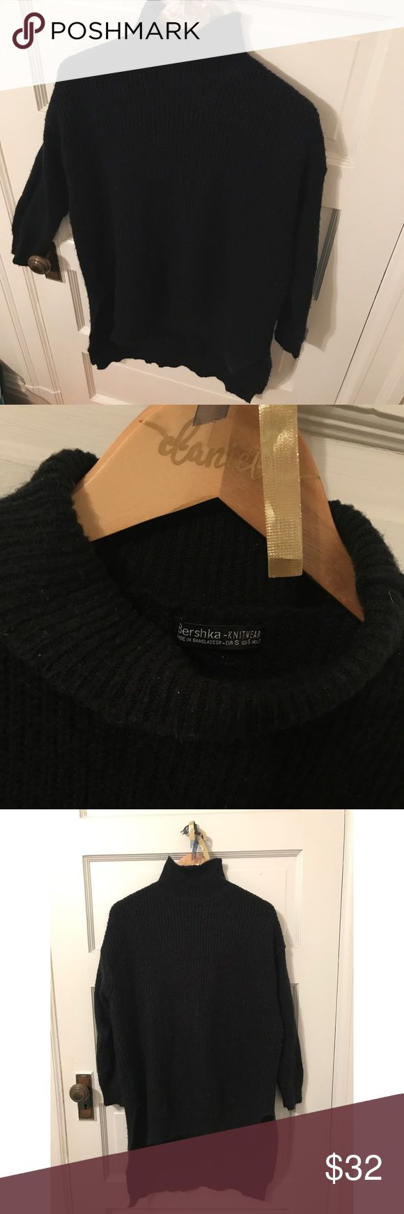 Black Sweater Turtle neck, high low sweater. Comes approximately to mid thigh in front and just above knees in back. Very comfortable and easy to pair for fashionable outfits. Gently worn, in great condition. Bershka Sweaters Cowl & Turtlenecks