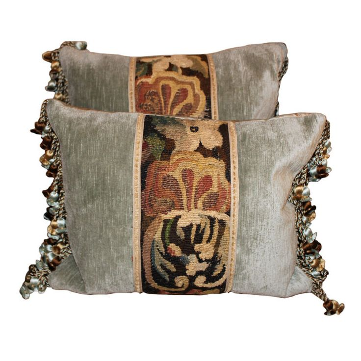 Superb Decorative Pillows With Fringe Part - 11: Pair Of 18th C. Tapestry Pillows On Linen Velvet With Fringe