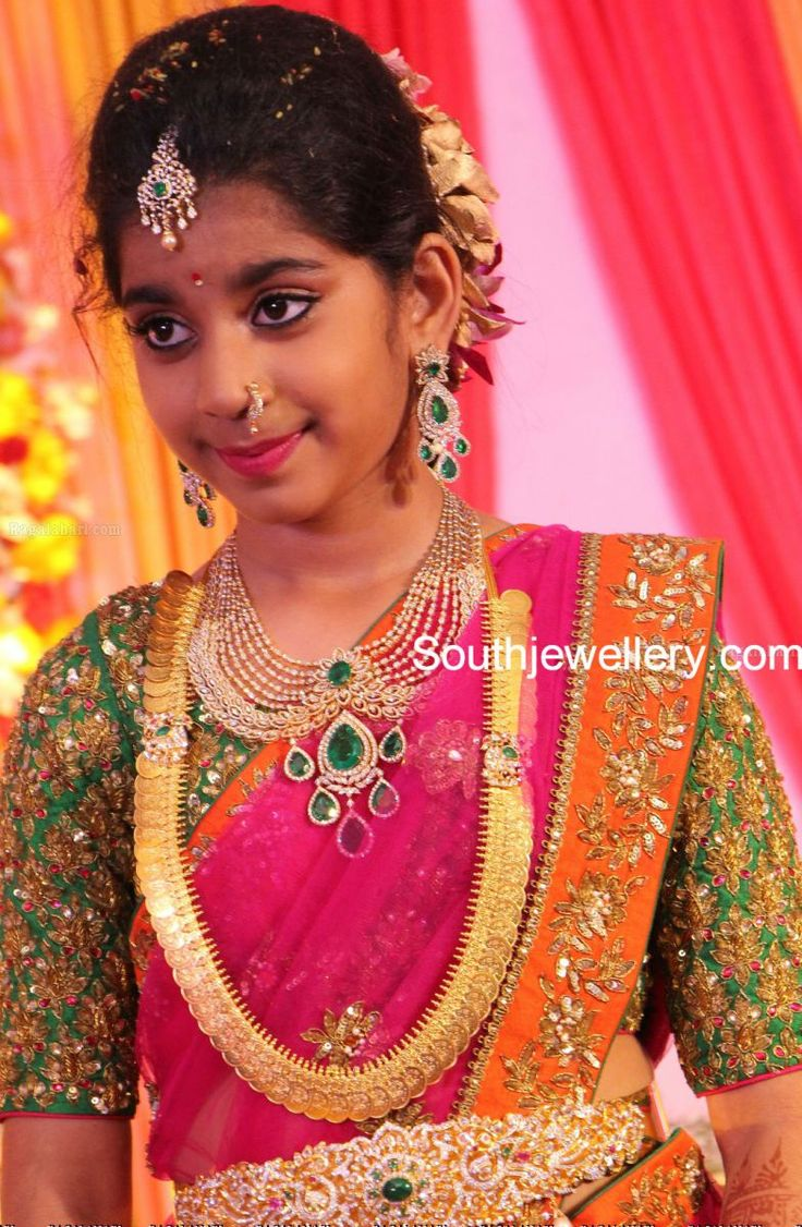 Shriya's Half Saree Function Jewellery!