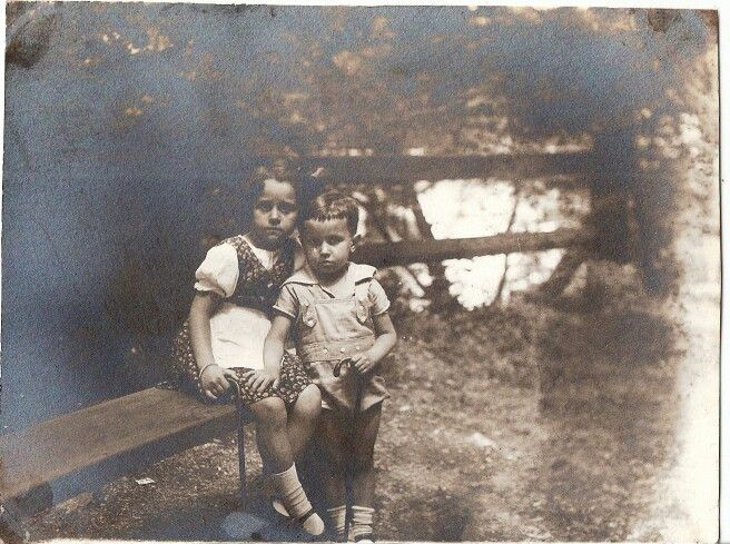 My grandmother and her brother in vacation at Herculane - 1921
