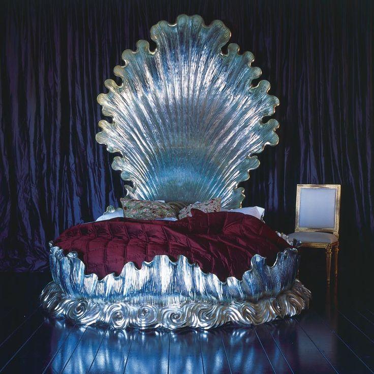 Bespoke Silver Shell Bed. If I was a rich girl, nananananananananaaaah.
