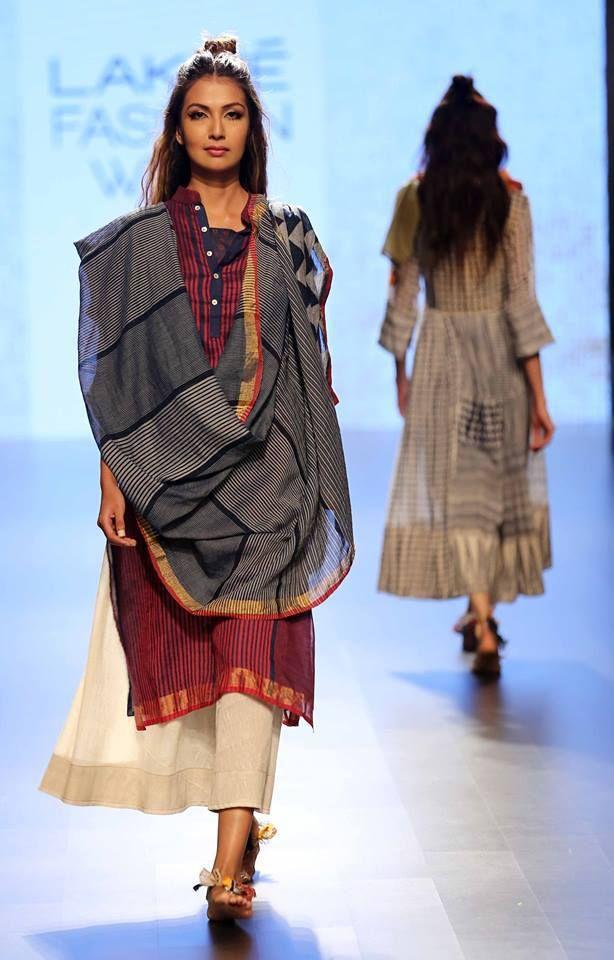 Paromita Banerjee-at-lakme-fashion-week-16